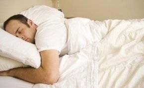 انتبه.. هذه الطريقة من النوم تعرضك للسمنة