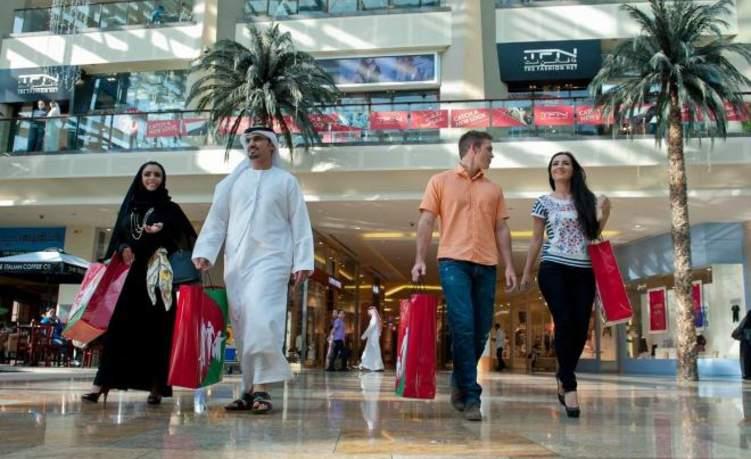 اسبوع بلا ضرائب في دبي