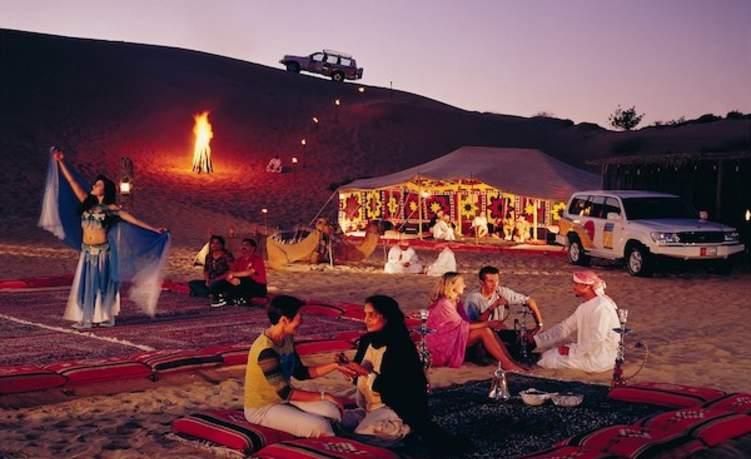 """""""صحراء دبي"""" تحصد لقب أفضل تجربة سياحية في العالم"""