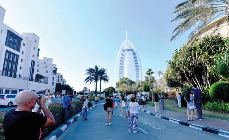 أكثر المخالفات التي يرتكبها زوار الإمارات.. تعرف عليها
