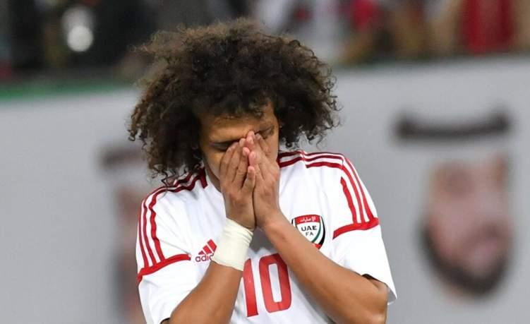 """بالفيديو.. """"عموري"""" يتعرض لإصابة قوية على أرض الملعب"""
