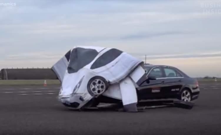 """شاهد.. """"دومي كارز"""" سيارات وهمية مخصصة للاختبارات"""