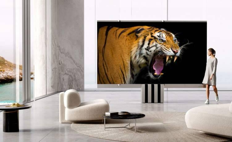 """""""شاهد"""" أول شاشة تلفزيون عملاقة قابلة للطي"""