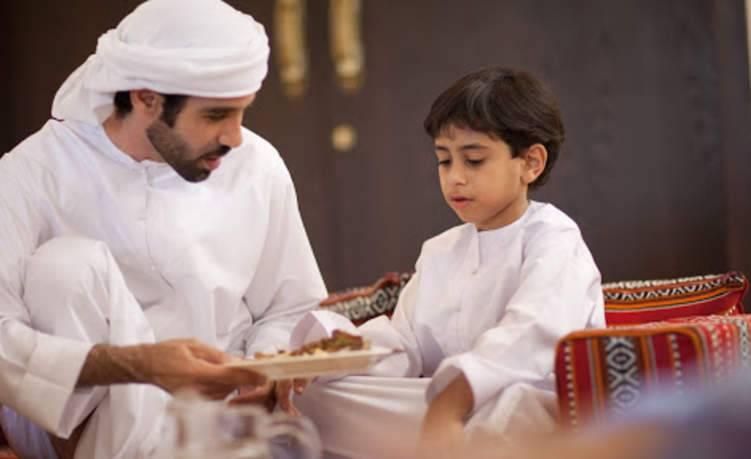 8 عادات علمها لطفلك في رمضان