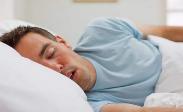 منها الجلطات.. النوم مباشرة بعد السحور له أضرار خطيرة