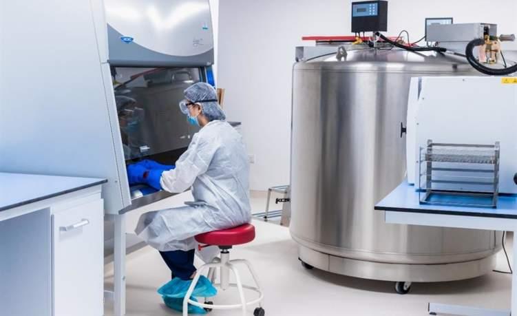 الإمارات تتبنى أول تجربة في المنطقة للعلاج بالخلايا المناعية