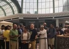 انطلاق مبيعات ايفون7 في الامارات بطابور بدأ منذ منتصف الليل