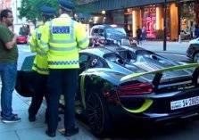 جدال بين مالك بورش كويتيه و شرطة لندن و السبب غير مفهوم