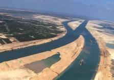 """""""موانئ دبي"""" بصدد إنشاء مشروعات تنموية في قناة السويس"""