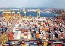الإمارات تدير وتشغل 77 ميناء حول العالم