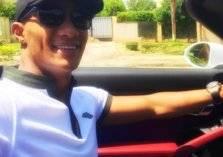 محمد رمضان يستفز جمهوره بسيارة جديدة