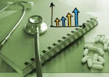 نواب كويتيون يرفض زيادة الرسوم الصحية على الوافدين