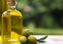 كل ما تريد أن تعرف عن فوائد زيت الزيتون