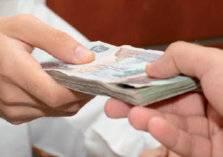 21 % من الشركات الخليجية تعتزم رفع رواتب الموظفين بـ شكل محدود