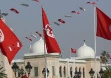 تونس تنوي رفع أسعار البنزين وتأجيل زيادة رواتب موظفي القطاع العام