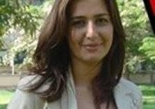 تعليق صادم من والد حلا شيحة على خلعها للحجاب وعودتها للتمثيل (فيديو)
