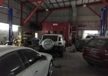 تصرف جنوني من سعودي تجاه عامل بورشة سيارات بسبب خلاف بينهما