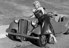عرض سيارة مارلين مونرو للبيع بسعر خيالي (صور)