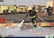 حريق يندلع في خزان محطة وقود بسكاكا (صور)