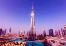 بالصور- برج خليفة يتزين بشعار نادي الهلال السعودي.. والسبب؟