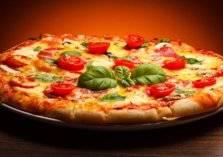 """سلسلة مطاعم شهيرة تطرح """"بيتزا"""" بطعم """"الحشيش"""""""