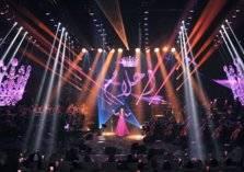 """أحلام تؤدي """"الخطوة"""" الجنوبية على مسرح طلال مداح بأبها (صور وفيديو)"""