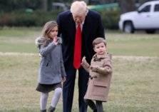 ترامب جد للمرة العاشرة (صور)