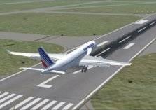 رجل يتسلق جدار المطار ليتمشى بين الطائرات!