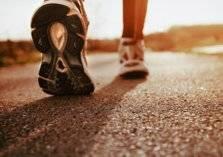 كم دقيقة تلزمك من المشي أسبوعياً للوقاية من الأمراض المزمنة؟