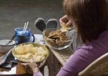 سر الأشخاص الذين يأكلون كل ما يحلو لهم دون زيادة الوزن!