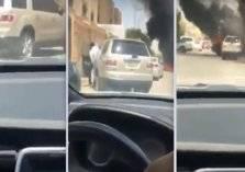 """رجل أعمال سعودي يقدم هذه الهدية لـ""""منقذ منزل جيرانه"""" في جدة (فيديو)"""