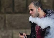 ارتفاع عدد ضحايا السجائر الإلكترونية في امريكا