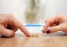 فرض تأمين إجباري ضد الطلاق في مصر