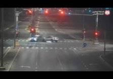 شاهد.. حوادث مرعبة بسبب تجاوز الإشارة الحمراء