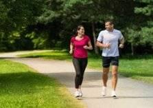 خطوات بطيئة أم سريعة.. سرعة المشي تحدد معدل الشيخوخة
