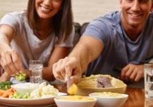 9 أطعمة تمنحك السعادة.. احرص على تناولها