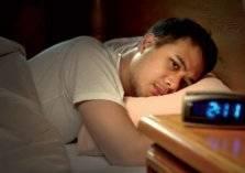 9 أطعمة تؤرق نومك.. تجنب تناولها