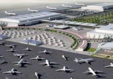 بالفيديو .. شاحنة تقتحم صالة مطار بسرعة طائرة!