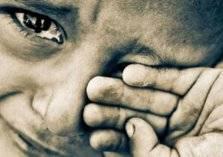 فيديو الطفل اليتيم يشعل مواقع التواصل