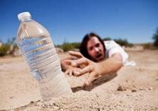 فتاة لم تشرب الماء منذ سنة .. شاهد النتيجة!