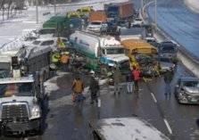 بالصور: تصادم جماعي مروع في كندا بين 700 سيارة