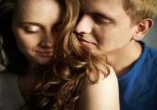 روائح عطرية تشعل فتيل الحب بين الزوجين