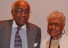 بسبب كورونا.. صورة مأساوية لزوجين مسنين فارقا الحياة