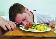 احذر النوم بعد الإفطار لهذه الأسباب
