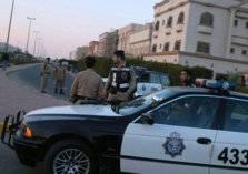 شاهد.. سيدة ترقص وتجاهر بالإفطار في شوارع الكويت