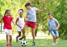 في العيد.. هل يمكن لأطفالي اللعب أمام المنزل؟