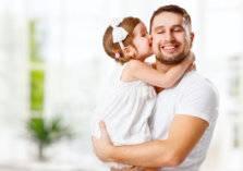 9 أمور يجب على الآباء تعليمها لبناتهم