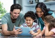 كيف تدرب طفلك على الاستفادة من الإنترنت في فترة العزل؟