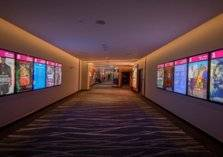 بالفيديو: افتتاح أول دار سينما في تبوك السعودية
