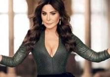 إليسا تهاجم وزير لبناني وتعتذر للشعب!